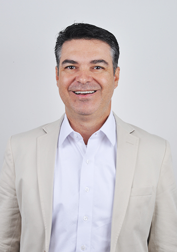 Dr. Mauricio Bento